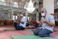 Taşova'da Mevlit Okutulup Şehitlikler Ziyaret Edildi