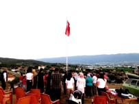 15 Temmuz Şehitleri Adına Dev Bayrak Dikildi