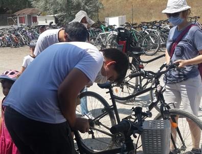 Ankaralılar bisikletle Eymir Gölü'nün tadını çıkarıyor