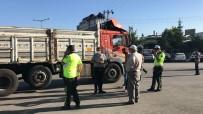 Konya'da Kamyonla Motosiklet Çarpıştı Açıklaması 1 Ölü