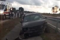Otomobil Bariyere Çarptı, Sürücü Yaralandı