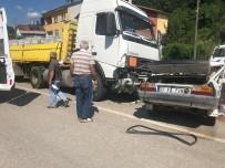 Kastamonu'da Otomobil İle Tır Çarpıştı Açıklaması 3 Ölü