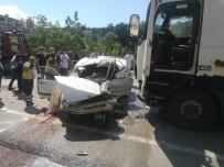 Kastamonu'da Tır İle Otomobil Çarpıştı Açıklaması 3 Ölü