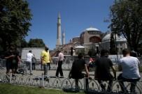 İSTANBUL EMNIYET MÜDÜRÜ - Ayasofya Camii'de son hazırlıklar yapılıyor!