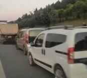 Ambulansın Emniyet Şeridini İşgal Eden Sürücülerle İmtihanı