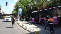 MÜJDAT GEZEN - Kadıköy'de feci kaza: Yaralılar var