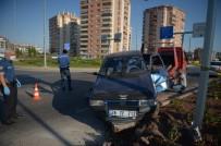 Eskişehir'de Minibüs İle Otomobil Çarpıştı Açıklaması 1 Ölü