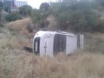 Mardin'de Otomobil Şarampole Uçtu Açıklaması 1 Yaralı