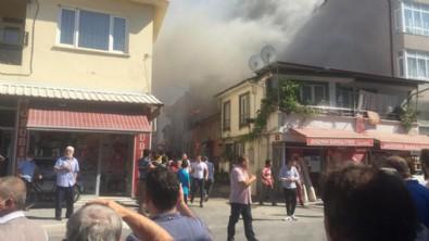 Sakarya'da yangın... Mahalleli sokağa döküldü