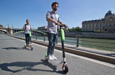 Elektrikli scooterlar için flaş karar