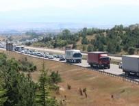 TRAFİK YOĞUNLUĞU - 15 KM'lik kuyruk! Trafik durma noktasına geldi!