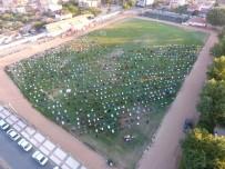 Sarıgöl'de Bayram Namazı Stadyumda Kılındı
