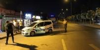KANUNİ SULTAN SÜLEYMAN - İstanbul'da akıllara durgunluk veren olay! Bekçiyi aracının kapısında sürükledi