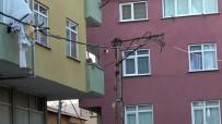 (Özel) Pendik'te Elektrik Kablolarının Havai Fişek Gibi Patladığı Anlar Kamerada