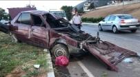Otomobil Refüje Çıktı, Sürücü Ağır Yaralandı