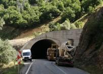 Tunceli'de Trafik Kazası Açıklaması 3 Yaralı