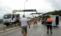 SARIYER - Korkunç kaza! Minibüs takla attı...