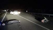 Otomobille Motosiklet Çarpıştı Açıklaması 1 Ölü, 1 Yaralı
