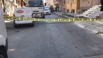 Küçükçekmece'de Silahlı Saldırı Açıklaması 2 Yaralı