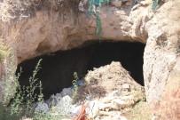 Kırşehir'de Belediye Kaçak Su Kazısında Mağara Bulundu