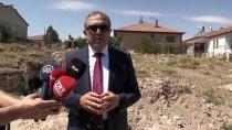 Kırşehir'de Su Kaçağı İçin Kazı Yapılan Alanda Mağara Bulundu