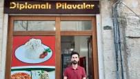 Üç Diploma Sahibi Üniversite Mezunu, Pilav Dükkanına Verdiği İsimle Binlerce Kişiye Umut Işığı Oldu