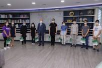 Başkan Özlü Başarılı Öğrencileri Ödüllendirdi