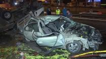 İstanbul'da Kamyonet İle Otomobil Çarpıştı Açıklaması 5 Yaralı