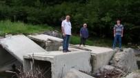 Taşan Dere Mahallenin Tek Ulaşımı Olan Köprüyü Yıktı