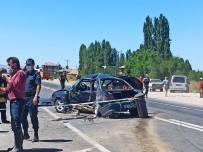 Aracın Hurdaya Döndüğü Kazada 2 Kişi Hayatını Kaybetti