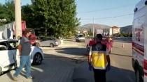 Isparta'da Kamyonet İle Otomobil Çarpıştı Açıklaması 6 Yaralı