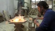 Hobisi Ekmek Kapısı Olan Ahşap Ustası Atıl Ağaçları İşleyerek Ekonomiye Kazandırıyor
