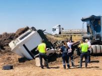 Viranşehir'de Tır Şarampole Devrildi Açıklaması 1 Yaralı