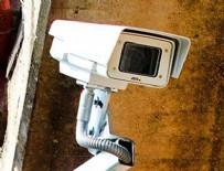 GÜVENLİK KAMERASI - 'Kamera taktıran' komşular dikkat!
