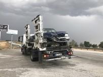 Otomobil İle Kamyonet Çarpıştı Açıklaması 1 Ölü, 5 Yaralı