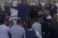 İstanbul'da Patinajlı, Meşaleli Ve Kuralsız Düğün Konvoyu Kamerada