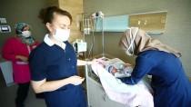 Konya'da Sokakta Bulunan Bebeğe Hemşireler Annelik Yapıyor