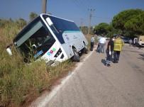 Yolcu Midibüsü Şarampole Devrildi Açıklaması 1 Yaralı