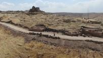 TÜRKIYE SEYAHAT ACENTALARı BIRLIĞI - Zerzevan Kalesi'nin 1800 yıllık girişi bulundu