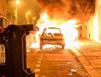 CEP TELEFONU - ABD'de Blake protestosunda onlarca araç ateşe verildi