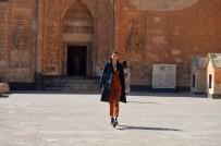 İshak Paşa Sarayı Kapılarını Modaya Açtı