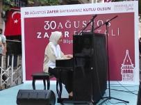 30 Ağustos Zafer Bayramı'nda Beyoğlu Sokaklarında Piyano Sesi Yükseldi