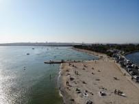 Menekşe Plajı'nda Hafta Sonu Yoğunluğu
