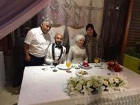 Kendi Düğününde Saz Çalma Hayalini Gerçekleştirdi