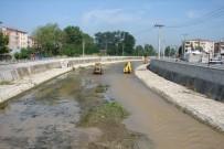 Asar Suyu'nda DSİ Ve Belediye Temizliğe Başladı