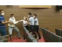 BELEDİYE BAŞKAN YARDIMCISI - CHP'li Başkan kadın gazeteciyi dövdürdü