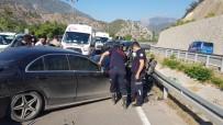 Amasya'da İki Otomobil Çarpıştı Açıklaması 7 Yaralı