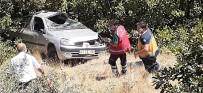 Tunceli'de Otomobil Uçuruma Yuvarlandı Açıklaması 1 Ölü, 1 Yaralı