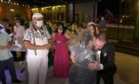 FARKıNDALıK - Düğünde görülmemiş önlem! Yorgan poşetini kafasına geçirip...