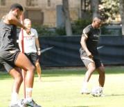 STOKE CITY - Galatasaray'ın yeni transferi Etebo takımla çalıştı
